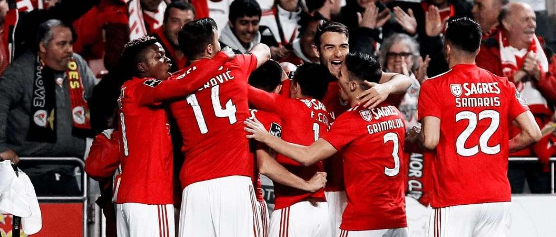 Resultado de imagem para Benfica recupera liderança com goleada frente ao Marítimo